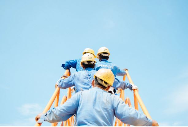 How to Manage a Large Crew of Workers